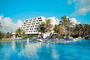 spring break hotel cancun