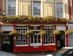 week end dublin pub