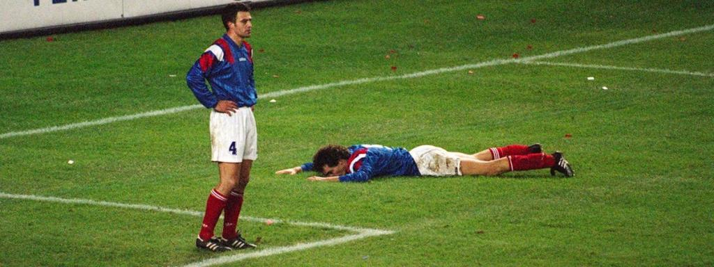 La désillusion française lors de son match face à la Bulgarie en 1993 lors des qualifs pour la Coupe du Monde