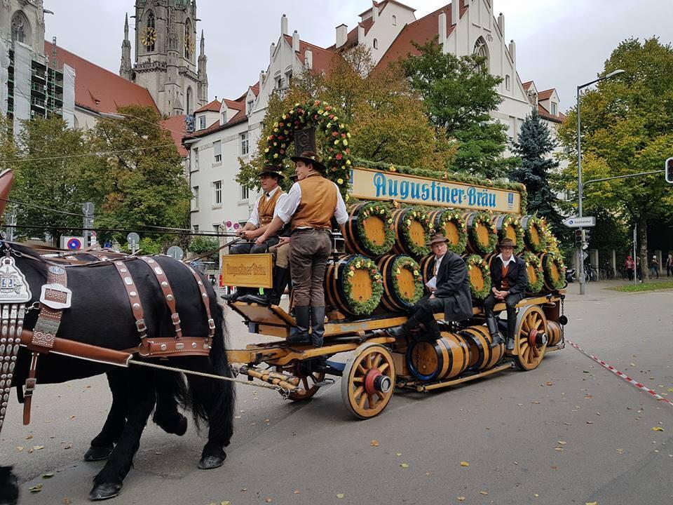Les tonneaux de bière de l'Oktoberfest sont en approche à Munich !