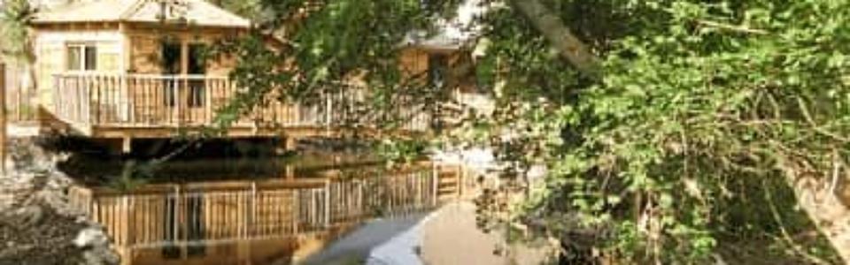 cabane_sur_eau_romantique
